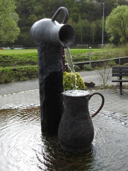 The village fountain at Mayschoß