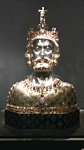This bust contains Charlemagne's skullcap