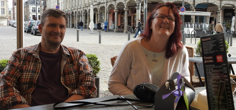 Ordering drinks of the Grand' Place in Arras