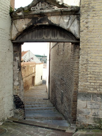 One of the narrow alleyways near the cathedral