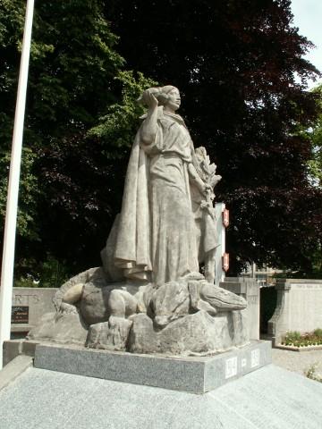 St Omer's unusual war memorial